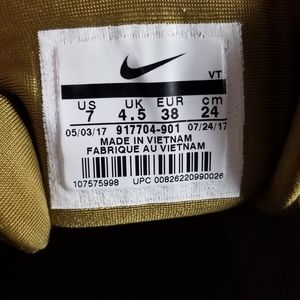 Nike Air Max 97 Ultra 17 Women's Shoes 7 Gold NWT